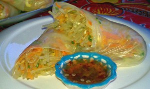 Vegan Recipe - Fresh Spring Rolls with Sweet and Spicy Red Pepper Sauce