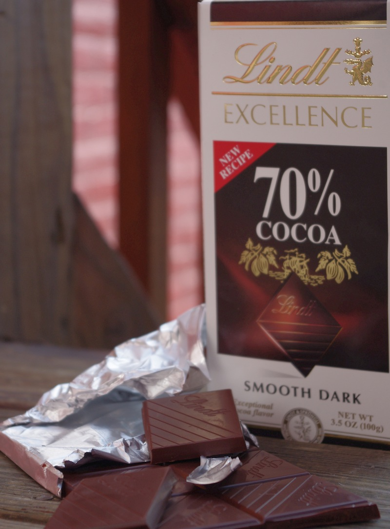 Accidentally Vegan: Lindt Dark Chocolate Candy Bars!
