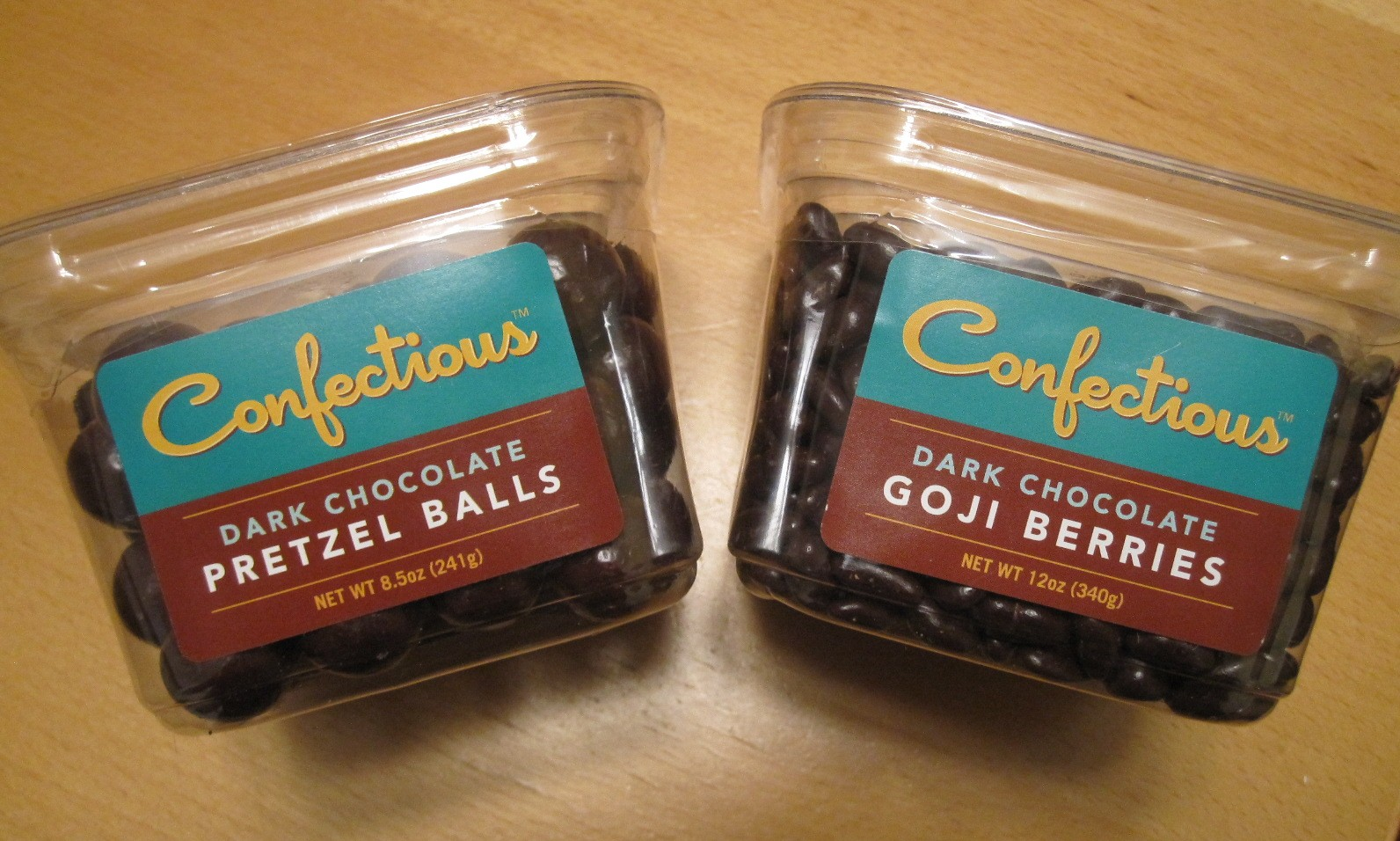 Accidentally Vegan: Confectious Dark Chocolate Pretzel Balls and Goji Berries!