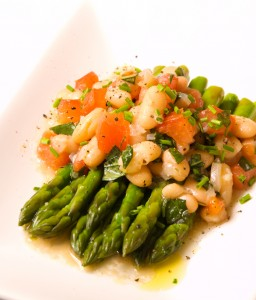 Vegan Recipe - Asparagus with Cannellini