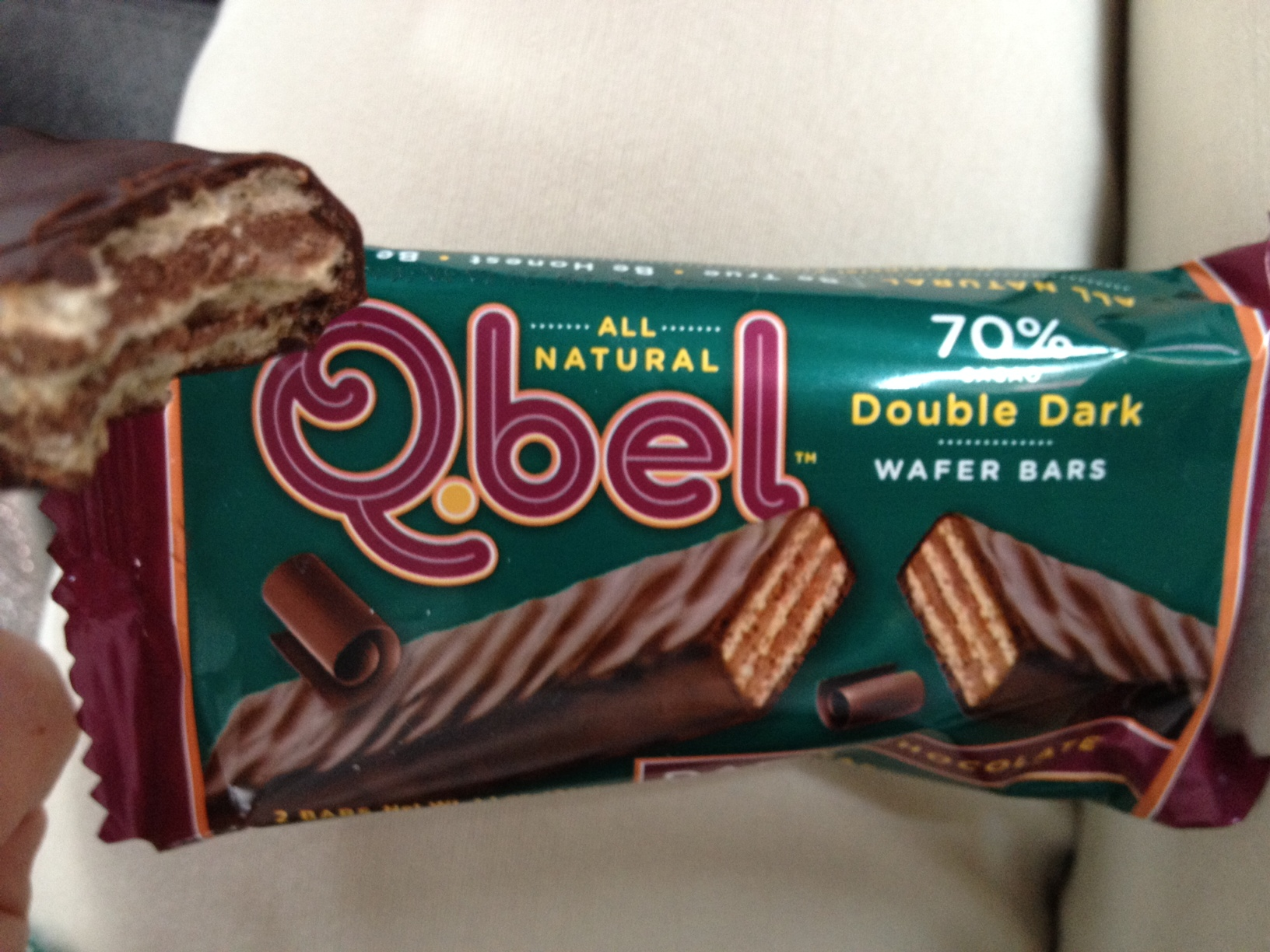 Accidentally Vegan: Double Dark Chocolate Wafer Bars from Q.bel!
