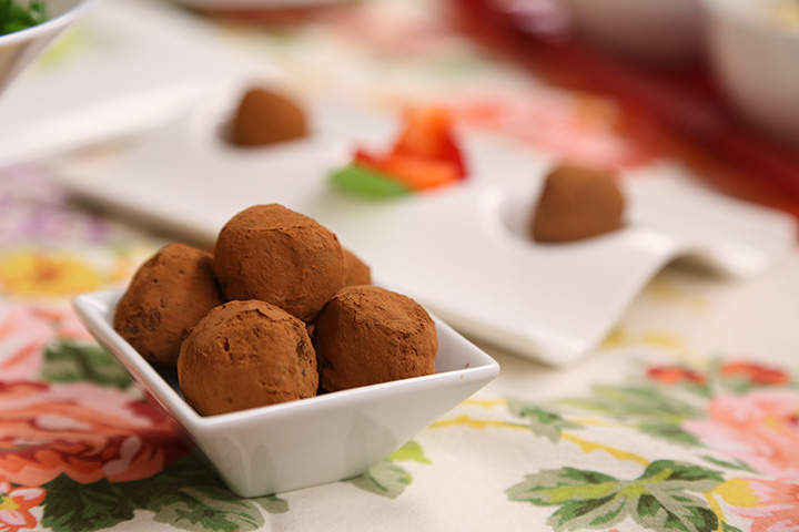 Vegan Recipe - Maple-Raisin-Date-Truffles